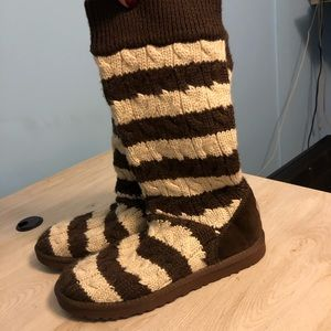 Ugg knit stripped boots